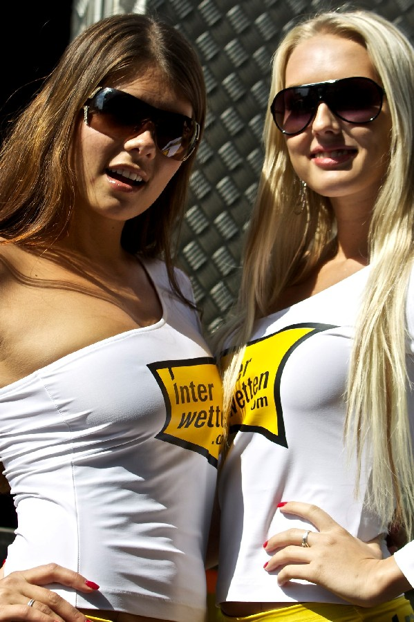 grid_girls_world_series_aragon_spain_by_valeria_zoppello.jpg